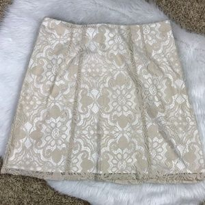 New York & Co Size 10 Beige Lined Skirt Lace